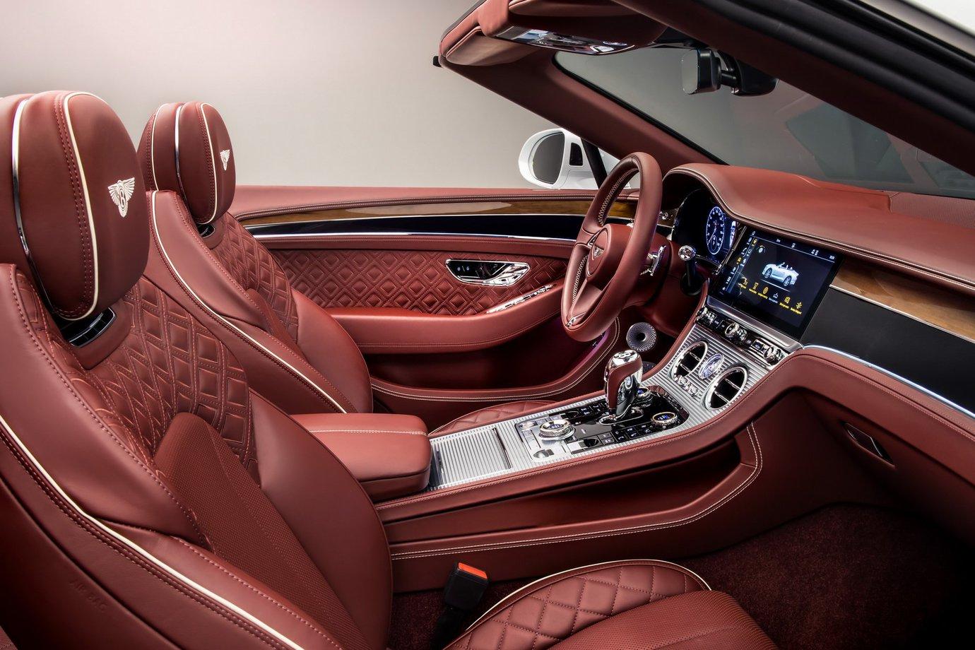 69195af470d0 Jedno z najbardziej luksusowych Gran Turismo na świecie właśnie  zadebiutowało w otwartej wersji. To idealna propozycja dla  najzamożniejszych wielbicieli ...